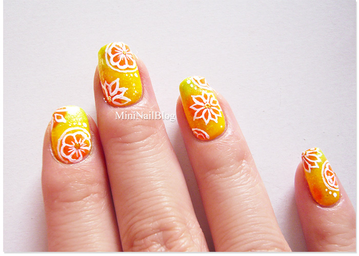 Flower Gradient Nails