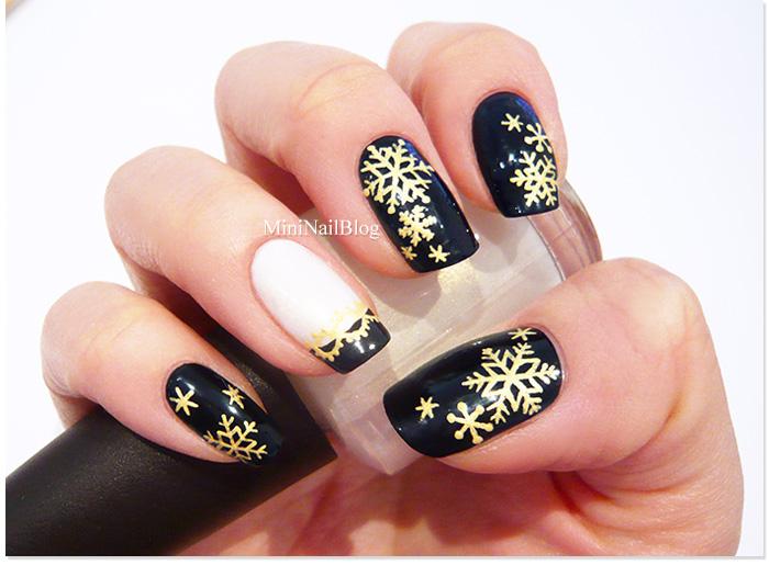 christmas nails black