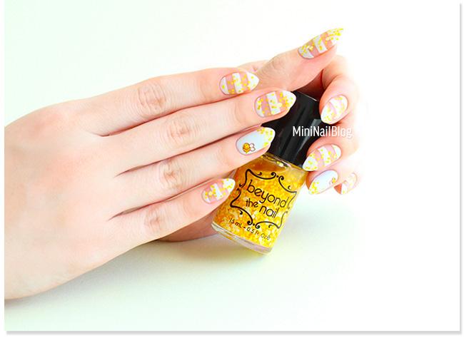 Spring Nail Art Bee