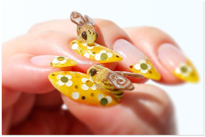 3D Nail Art Bees